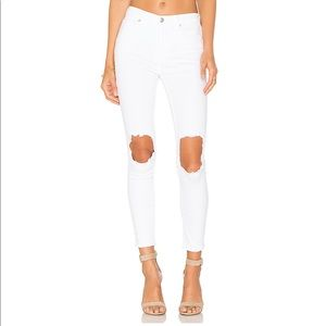 NWT Free People White Denim Jeans with Busted Knee